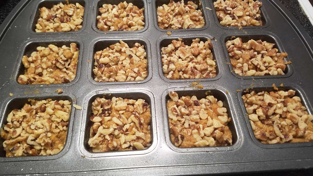 pumpkin-spice-muffins-bake